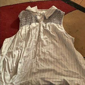 Grey sleeveless shirt